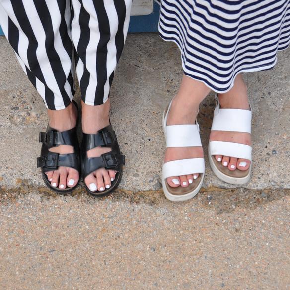 15colgadasdeunapercha_kimono_rayas_blanco_y_negro_b&w_stripes_uñas_blancas_white_nails_ugly_shoes_anna_duarte_carla_kissler_7