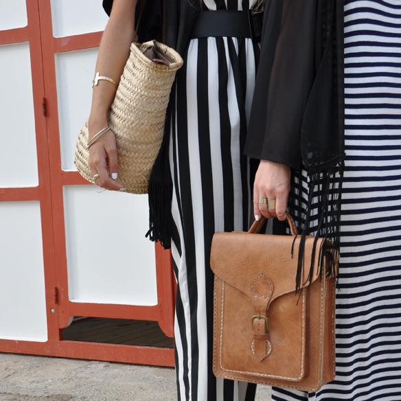 15colgadasdeunapercha_kimono_rayas_blanco_y_negro_b&w_stripes_uñas_blancas_white_nails_ugly_shoes_anna_duarte_carla_kissler_8