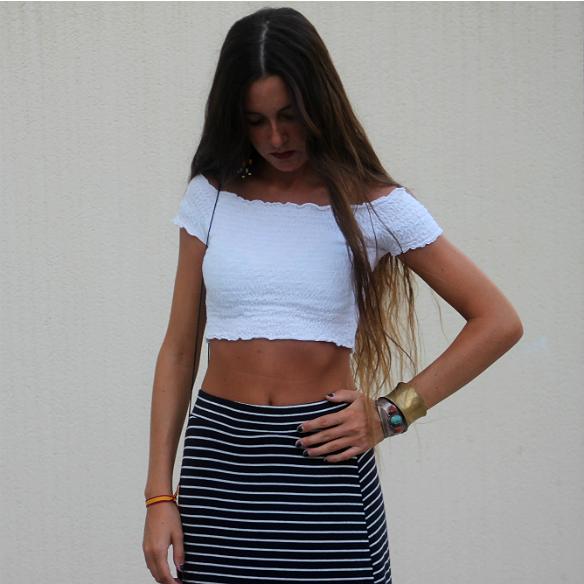 15colgadasdeunapercha_maxi_falda_rayas_stripes_maxi_skirt_crop_top_hippie_bag_platforms_plataformas_blanca_sabadell_1
