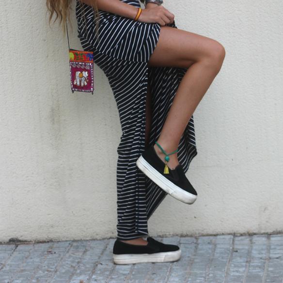 15colgadasdeunapercha_maxi_falda_rayas_stripes_maxi_skirt_crop_top_hippie_bag_platforms_plataformas_blanca_sabadell_5
