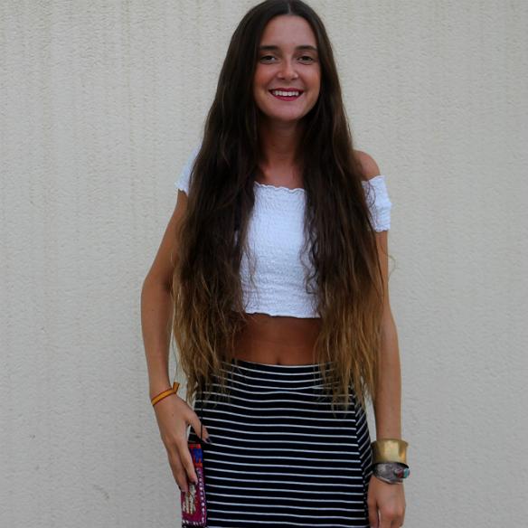 15colgadasdeunapercha_maxi_falda_rayas_stripes_maxi_skirt_crop_top_hippie_bag_platforms_plataformas_blanca_sabadell_8