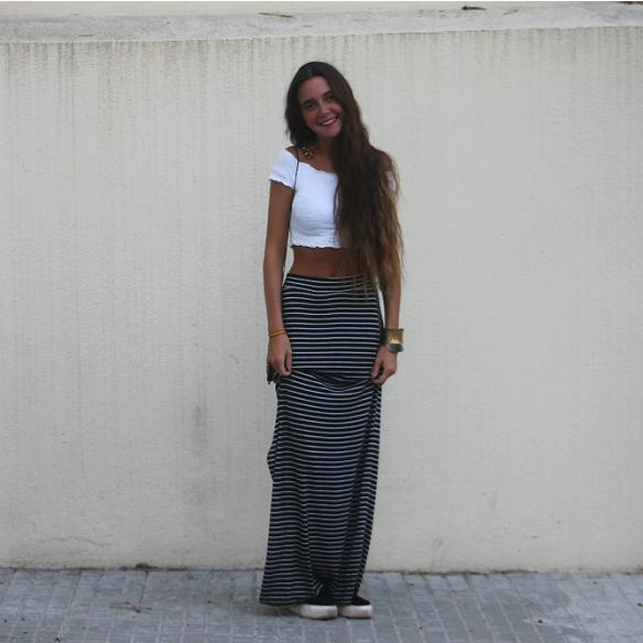15colgadasdeunapercha_maxi_falda_rayas_stripes_maxi_skirt_crop_top_hippie_bag_platforms_plataformas_blanca_sabadell_9