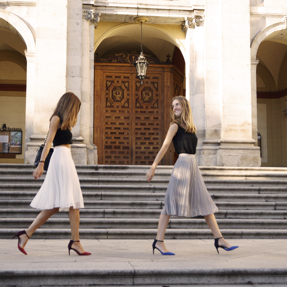 15colgadasdeunapercha_midi_skirt_falda_midi_crop_top_blusa_shirt_heels_tacon_ale_corsini_laura_pol_1