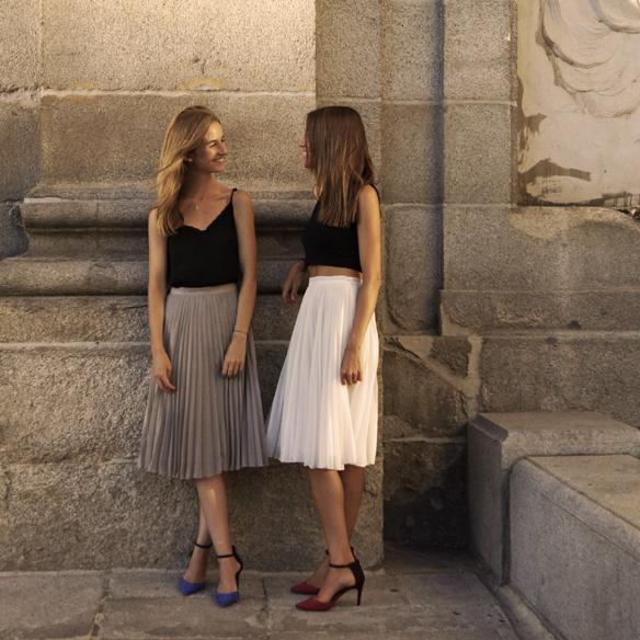 15colgadasdeunapercha_midi_skirt_falda_midi_crop_top_blusa_shirt_heels_tacon_ale_corsini_laura_pol_7