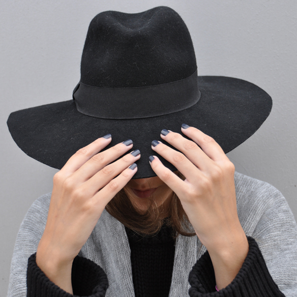 15colgadasdeunapercha_musthave_fw_1415_manta_blanket_poncho_sombrero_hat_anna_duarte_6