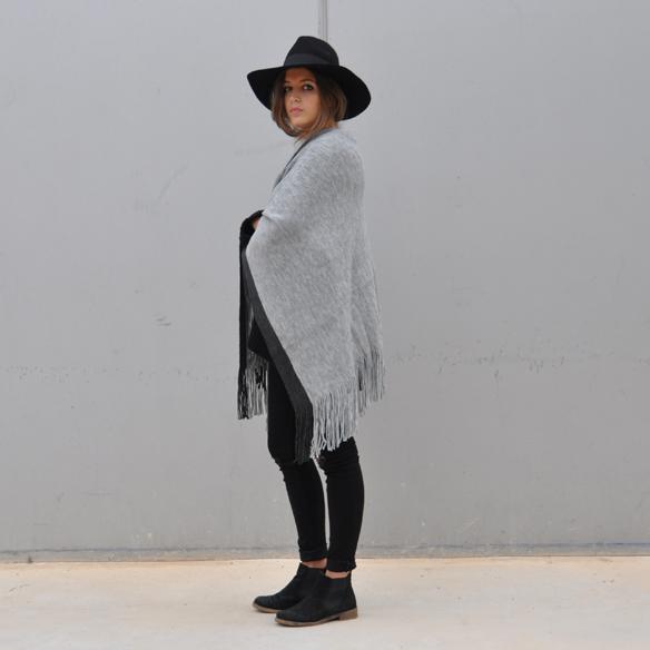 15colgadasdeunapercha_musthave_fw_1415_manta_blanket_poncho_sombrero_hat_anna_duarte_8