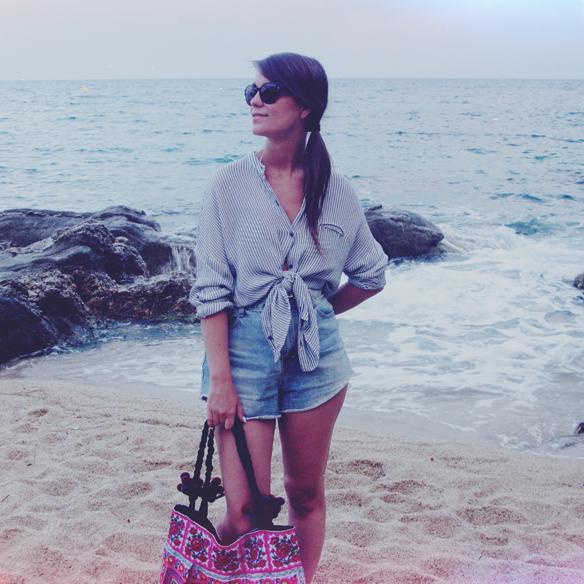 15colgadasdeunapercha_rayas_stripes_camisa_oversize_shorts_talle_alto_bikini_marinero_carla_kissler_1
