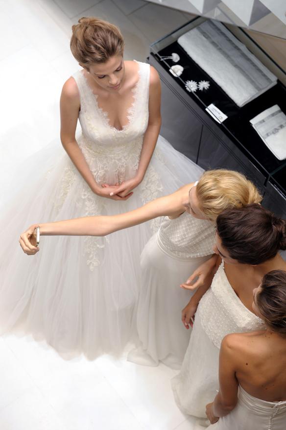 15colgadasdeunapercha_rosa_clara_2015_ana_antic_vestidos_de_novia_bodas_wedding_gowns_dresses_brides_moda_nupcial_9