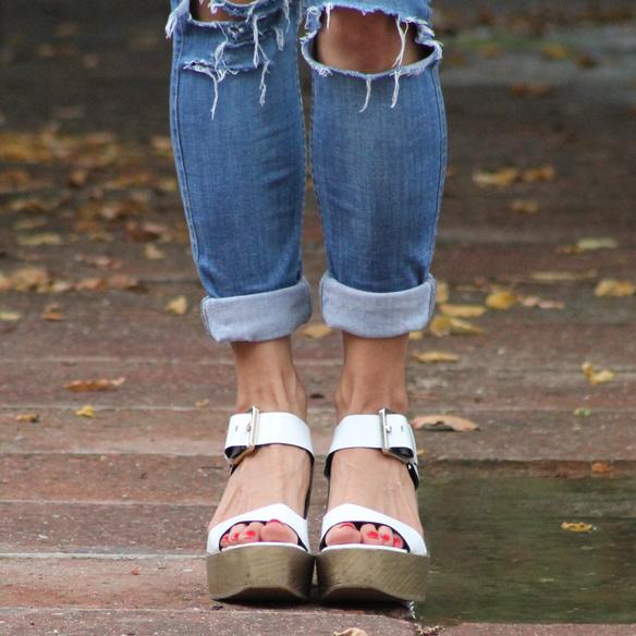 15colgadasdeunapercha_total_denim_look_tejano_diadema_griega_greek_tiara_white_sandals_sandalias_blancas_madera_zapatos_esparto_shoes_blanca_arias_5