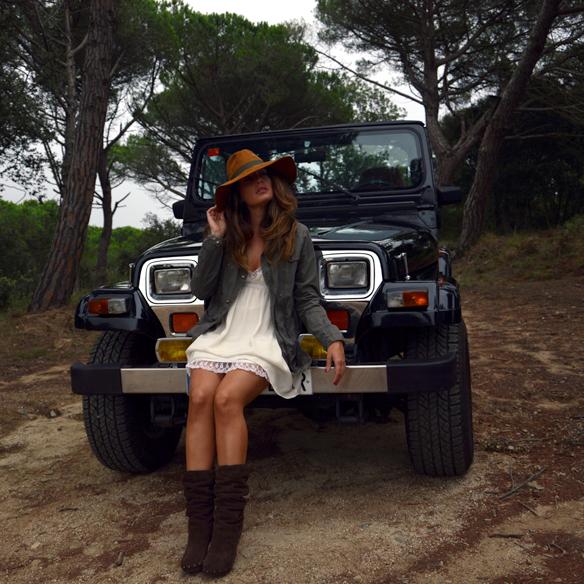 15colgadasdeunapercha_vestido_lencero_lingerie_dress_botas_camel_boots_sombrero_hat_parka_alicia_alvarez_3