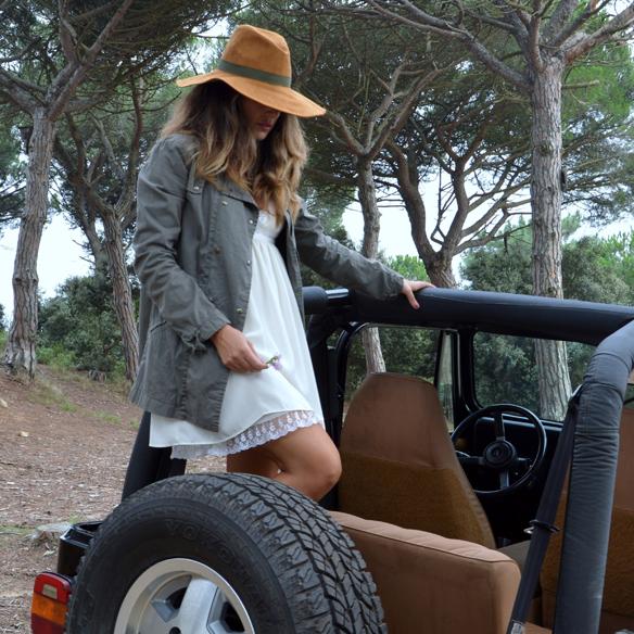 15colgadasdeunapercha_vestido_lencero_lingerie_dress_botas_camel_boots_sombrero_hat_parka_alicia_alvarez_4