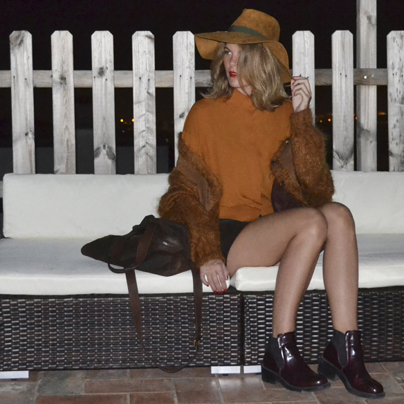 15colgadasdeunapercha_1001_atmosphera_ivivi_vintage_camisa_shirt_falda_skirt_sombrero_hat_harris_XL_brown_georgina_gina_carreras_1