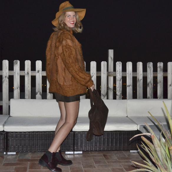 15colgadasdeunapercha_1001_atmosphera_ivivi_vintage_camisa_shirt_falda_skirt_sombrero_hat_harris_XL_brown_georgina_gina_carreras_9