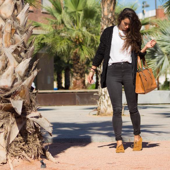 15colgadasdeunapercha_fall_otoño_fur_pelo_abrigo_coat_jacket_chaqueta_skinny_pitillo_camel_negro_black_blanca_arias_1