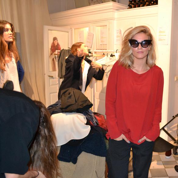 15colgadasdeunapercha_gema_sach_studio_fw_14_15_otoño_invierno_new_collection_fashion_moda_desfile_barcelona_gabriela_comella_alicia_alvarez_gina_carreras_carla_kissler_16