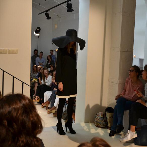 15colgadasdeunapercha_gema_sach_studio_fw_14_15_otoño_invierno_new_collection_fashion_moda_desfile_barcelona_gabriela_comella_alicia_alvarez_gina_carreras_carla_kissler_23
