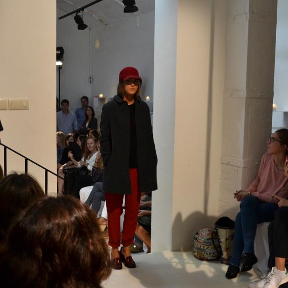 15colgadasdeunapercha_gema_sach_studio_fw_14_15_otoño_invierno_new_collection_fashion_moda_desfile_barcelona_gabriela_comella_alicia_alvarez_gina_carreras_carla_kissler_24