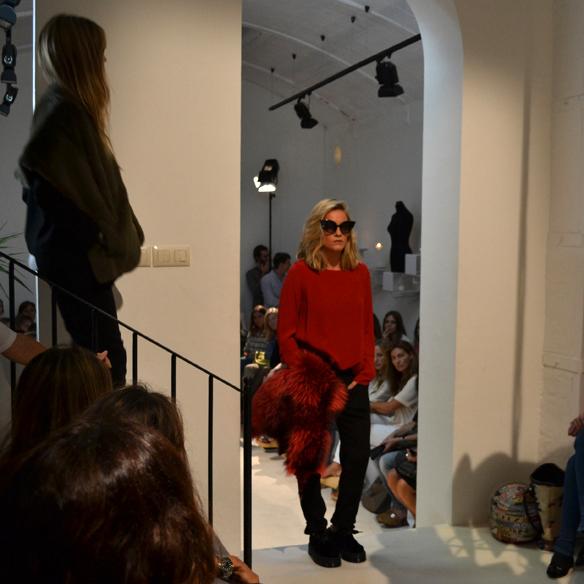 15colgadasdeunapercha_gema_sach_studio_fw_14_15_otoño_invierno_new_collection_fashion_moda_desfile_barcelona_gabriela_comella_alicia_alvarez_gina_carreras_carla_kissler_27