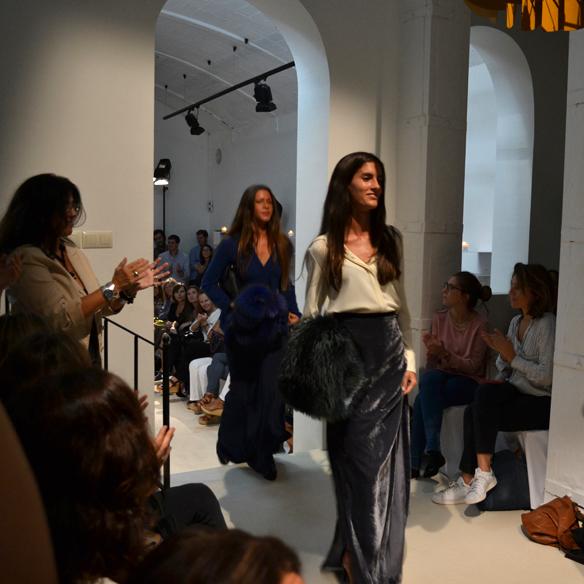15colgadasdeunapercha_gema_sach_studio_fw_14_15_otoño_invierno_new_collection_fashion_moda_desfile_barcelona_gabriela_comella_alicia_alvarez_gina_carreras_carla_kissler_28