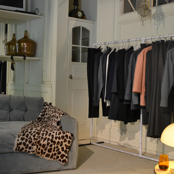 15colgadasdeunapercha_gema_sach_studio_fw_14_15_otoño_invierno_new_collection_fashion_moda_desfile_barcelona_gabriela_comella_alicia_alvarez_gina_carreras_carla_kissler_3