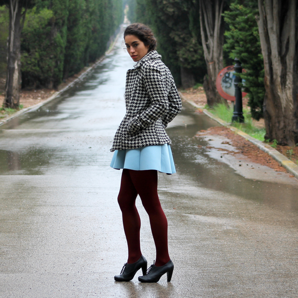 15colgadasdeunapercha_must-have_fw_14_15_oi_14_15_60s_años_60_mini_oxford_cuello_baby_doll_collar_pata_de_gallo_houndstooth_twiggy_blanca_arias_10