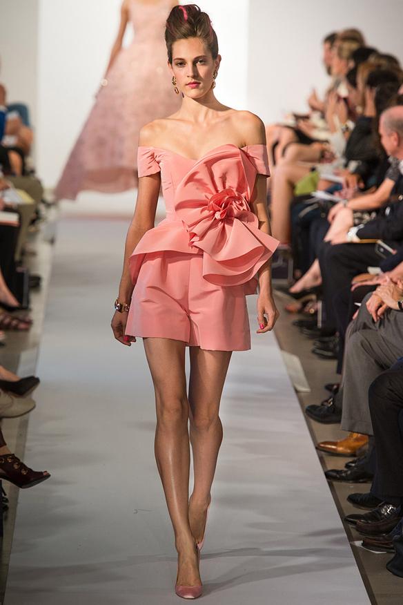 15colgadasdeunapercha_Oscar_de_la_Renta_Diseñador_Moda_Fashion_Designer_Republica_Dominicana_New_York_Alta_Costura_Haute_Couture_14