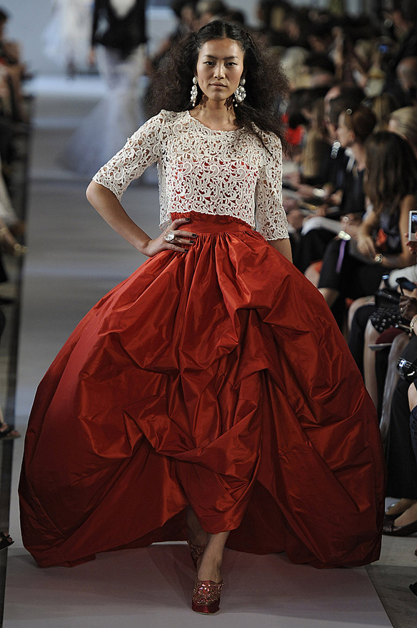 15colgadasdeunapercha_Oscar_de_la_Renta_Diseñador_Moda_Fashion_Designer_Republica_Dominicana_New_York_Alta_Costura_Haute_Couture_19
