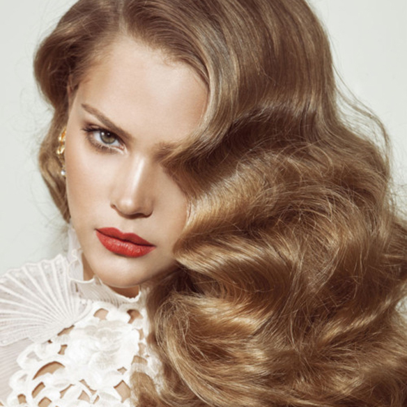 15colgadasdeunapercha_tendencias_pelo_pelos_peinados_hair_hairstyle_hair_cut_trends_FW_14_15_OI_14_15_fall_winter_otoño_invierno_2014_melena_extra_lisa_smooth_mane_ondas_divas_hollywood_waves_5