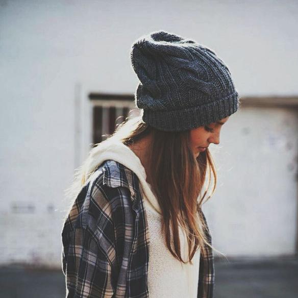 15colgadasdeunapercha_tendencias_pelo_pelos_peinados_hair_hairstyle_hair_cut_trends_FW_14_15_OI_14_15_fall_winter_otoño_invierno_2014_sombreros_hats_gorra_marinero_sailor_cap_sporty_pamela_fedora_boina_beret_zhivago_5