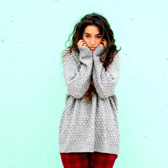 15colgadasdeunapercha_fall_otoño_winter_invierno_2014_mezcla_mixes_grey_gris_check_cuadros_capucha_hood_blanca_arias_4