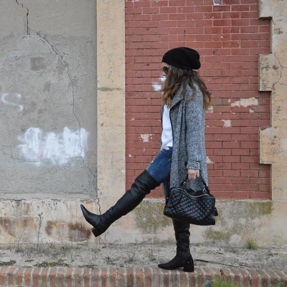 15colgadasdeunapercha_okb_over_the_knee_boots_botas_de_caña_alta_70s_gorro_lana_wool_beret_ripped_jeans_alicia_alvarez_1