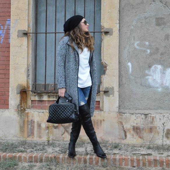 15colgadasdeunapercha_okb_over_the_knee_boots_botas_de_caña_alta_70s_gorro_lana_wool_beret_ripped_jeans_alicia_alvarez_6