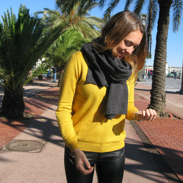 15colgadasdeunapercha_otoño_fall_color_mostaza_mustard_colour_cuero_leather_anillo_ring_chicplace_julia_ros_1