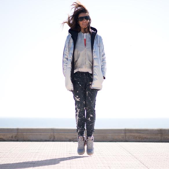 15colgadasdeunapercha_sporty_chic_plumon_sneakers_bomber_silver_plata_ana_crank_10