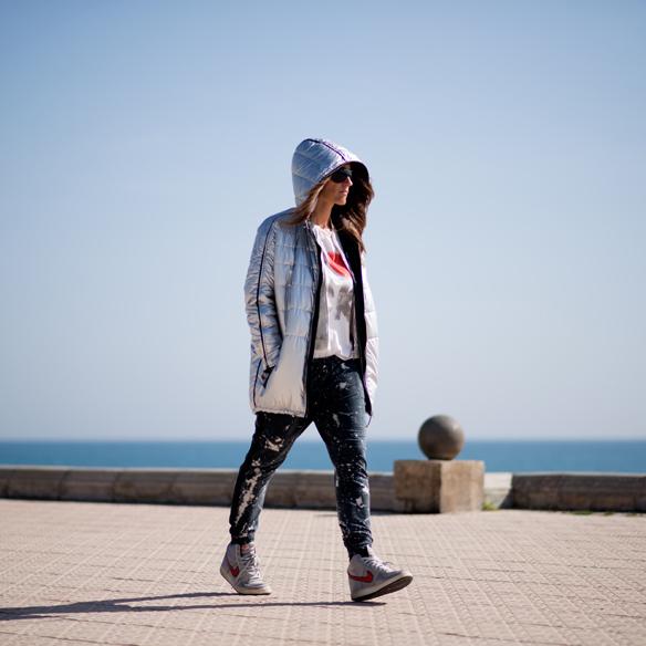 15colgadasdeunapercha_sporty_chic_plumon_sneakers_bomber_silver_plata_ana_crank_2