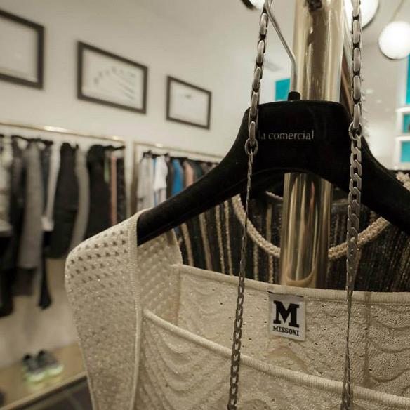 15colgadasdeunapercha_tiendas_la_comercial_hotel_w_barcelona_el_born_carlos_del_barrio_moda_fashion_hombre_men_women_mujer_gadgets_marta_r_4