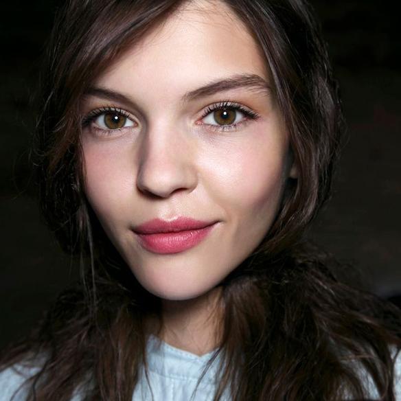 15colgadasdeunapercha_maquillaje_make_up_fw_oi_fall_winter_14_15_labios_dulces_sweet_lips_nude_pale_pink_gloss_5
