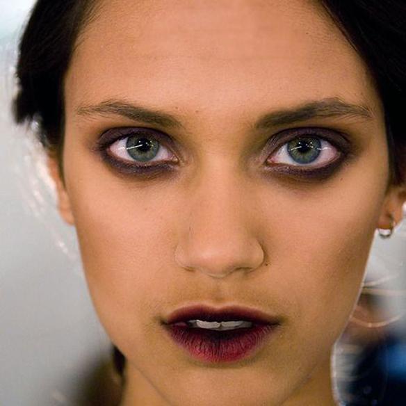 15colgadasdeunapercha_maquillaje_make_up_fw_oi_fall_winter_14_15_labios_mordidos_bitten_lips_1