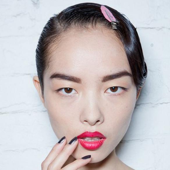 15colgadasdeunapercha_maquillaje_make_up_fw_oi_fall_winter_14_15_labios_mordidos_bitten_lips_2