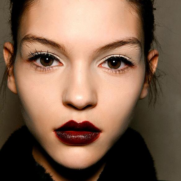 15colgadasdeunapercha_maquillaje_make_up_fw_oi_fall_winter_14_15_labios_mordidos_bitten_lips_6