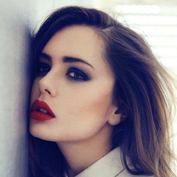 15colgadasdeunapercha_maquillaje_make_up_fw_oi_fall_winter_14_15_labios_oscuros_dark_lips_red_rojo_burgundy_aubergine_berenjena_chocolate_2
