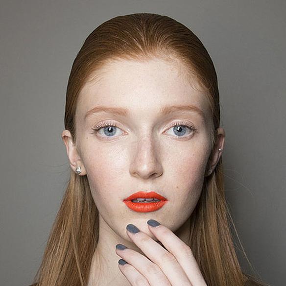 15colgadasdeunapercha_maquillaje_make_up_fw_oi_fall_winter_14_15_manicura_manicure_negro_black_grey_gris_rojo_red_burgundy_aubergine_nude_pale_pink_3