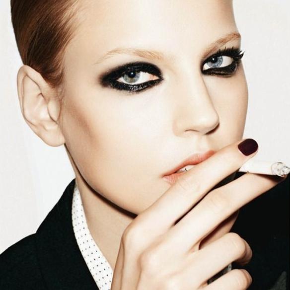 15colgadasdeunapercha_maquillaje_make_up_fw_oi_fall_winter_14_15_smokey_eyes_negro_mate_black_matt_6