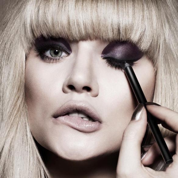 15colgadasdeunapercha_maquillaje_make_up_fw_oi_fall_winter_14_15_smokey_eyes_negro_mate_black_matt_portada