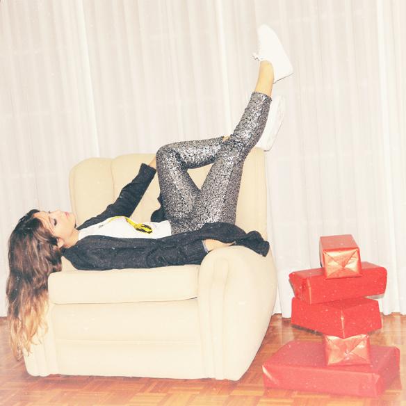 15colgadasdeunapercha_navidad_christmas_looks_outfitspantalones_pants_pailletes_sequins_lentejuelas_bambas_trainers_anna_duarte_2