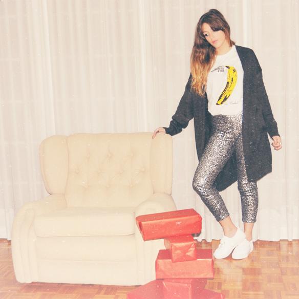 15colgadasdeunapercha_navidad_christmas_looks_outfitspantalones_pants_pailletes_sequins_lentejuelas_bambas_trainers_anna_duarte_9