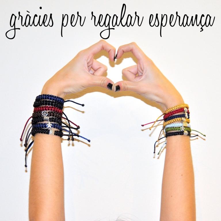 15colgadasdeunapercha_navidad_christmas_pulseras_candelas_solidarias_solidarity_bracelets_anna_duarte_11