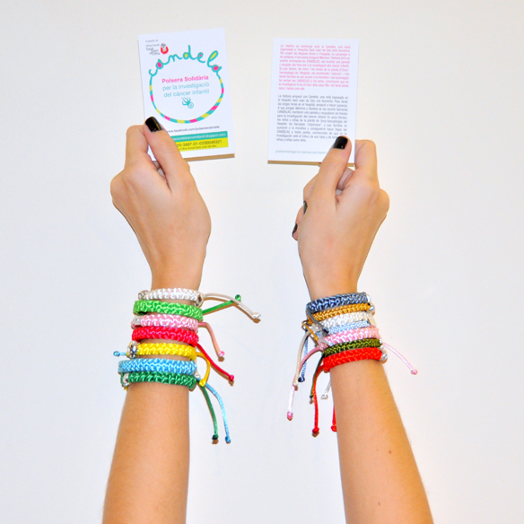 15colgadasdeunapercha_navidad_christmas_pulseras_candelas_solidarias_solidarity_bracelets_anna_duarte_6