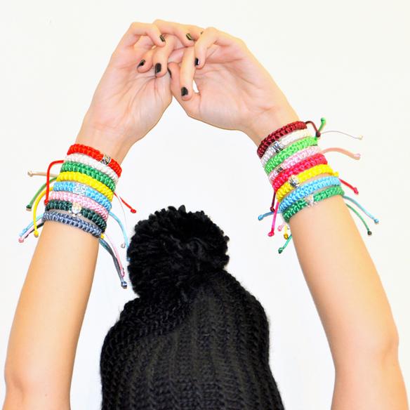 15colgadasdeunapercha_navidad_christmas_pulseras_candelas_solidarias_solidarity_bracelets_anna_duarte_9
