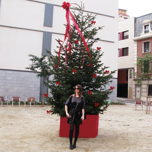 15colgadasdeunapercha_navidad_christmas_total_black_look_paillettes_negro_lbd_kimono_carla_kissler_10
